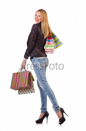 Молодая женщина с пакетами
