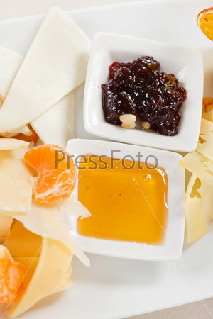 Фотография на тему Тарелка сыра