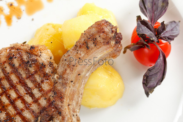 Фотография на тему Стейк с картофелем