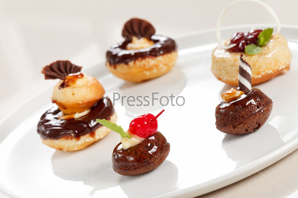 Фотография на тему Шоколадные пирожные