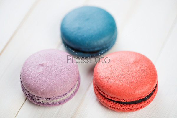 Три французских миндальных печенья