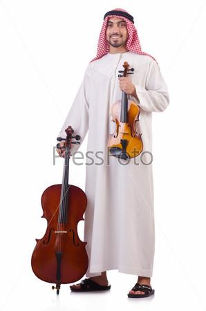 Фотография на тему Араб играет музыку на белом фоне