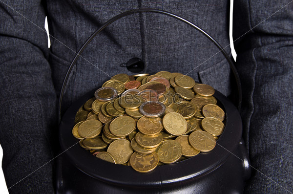 Фотография на тему Женщина, держащая горшок золотых монет