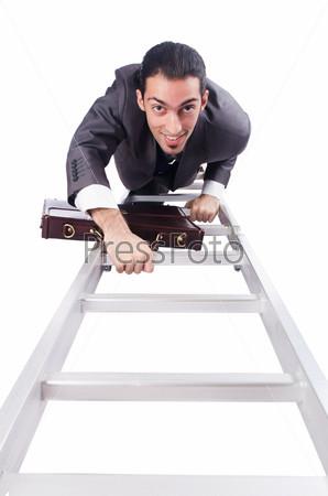 Бизнесмен поднимается по лестнице, изолированный на белом