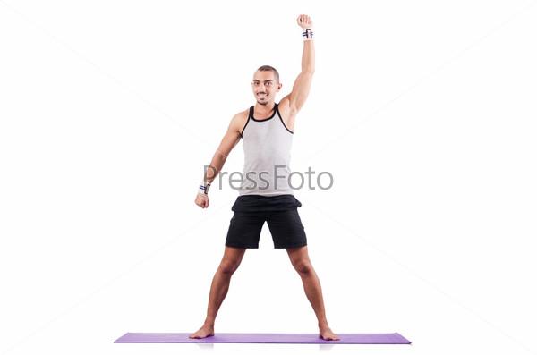 Человек делает упражнения на белом фоне