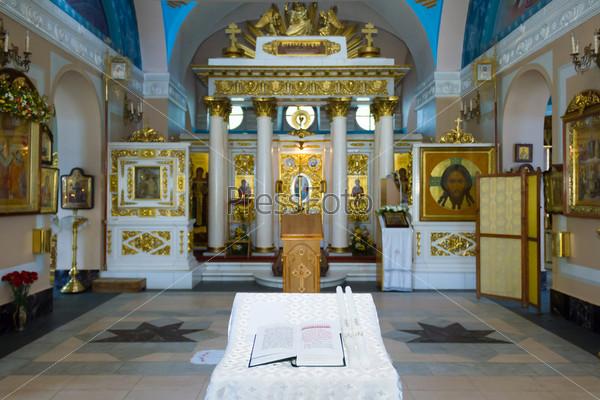 Фотография на тему Подготовка к венчанию в Храме Влахернской иконы Божией Матери в Кузьминках