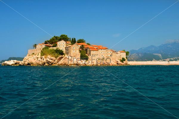 Черногория, курортный остров Свети Стефан