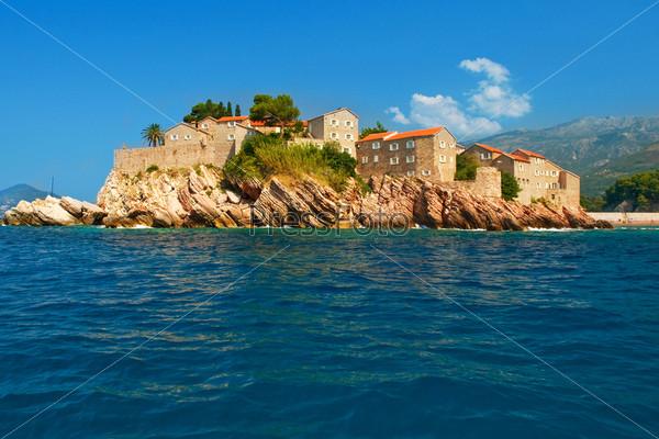 Черногория, курортный остров Свети-Стефан