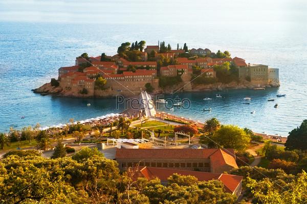 Фотография на тему Курортный остров Свети Стефан, Черногория