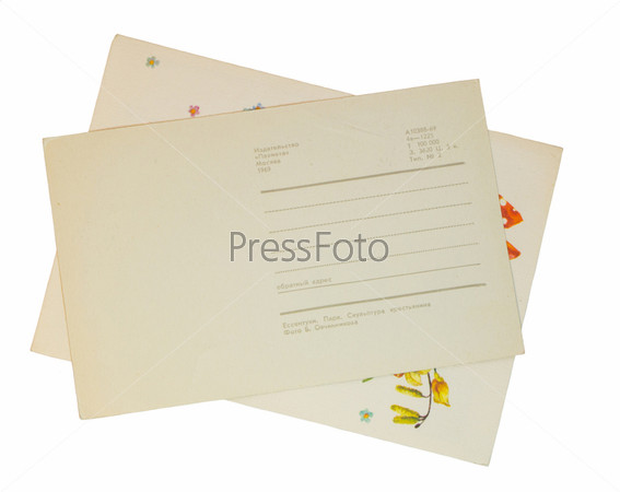 Старые открытки, изолированные на белом фоне