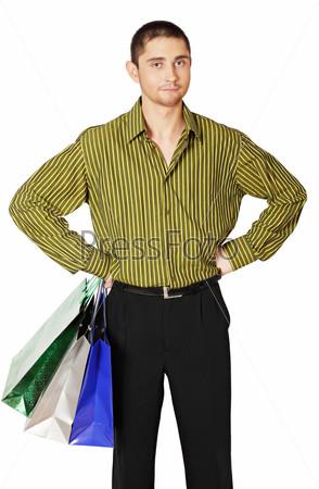 Мужчина с бумажными пакетами
