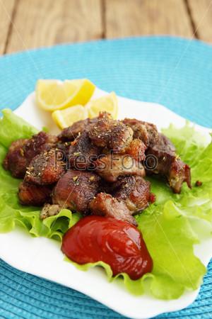 Мясо с томатным соусом