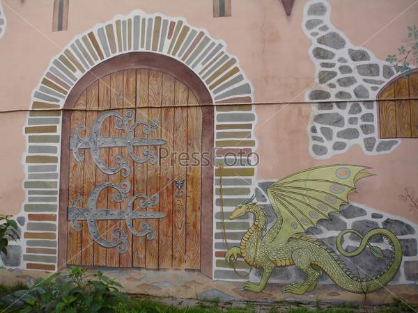 Роспись стены под средневековый замок
