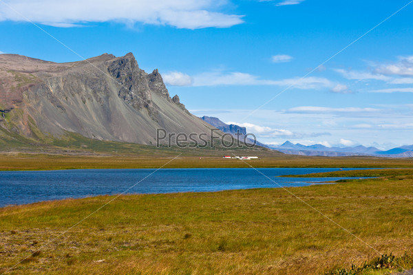 Фотография на тему Горный пейзаж в Западной Исландии
