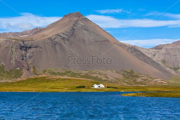 Горный пейзаж в Западной Исландии