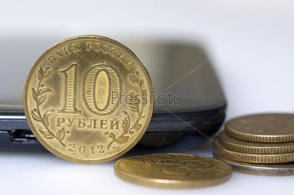 Фотография на тему Монеты и телефон