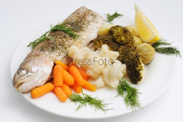 Фотография на тему Рыба и тушеные овощи