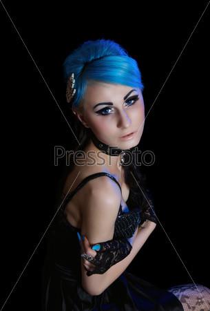 Фотография на тему Готическая женщина с голубыми волосами