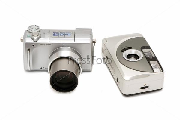 Цифровая и пленочная фотокамера