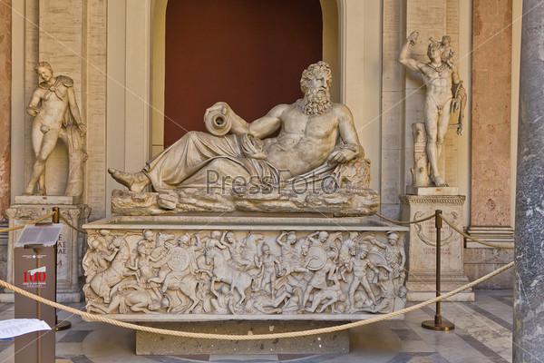 Фотография на тему Статуя Нептуна