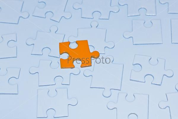 Кусочки головоломки