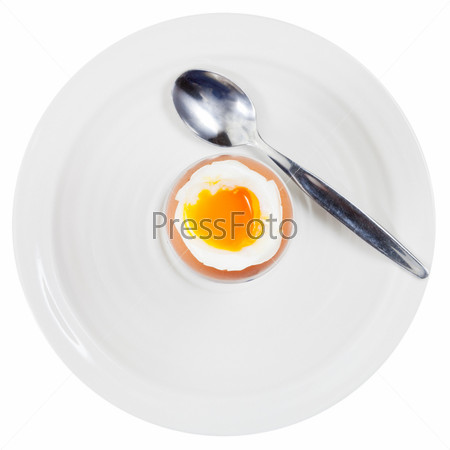 Вареное яйцо на белом фоне