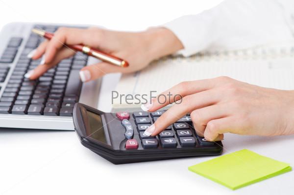 Фотография на тему Руки, работающие на калькуляторе