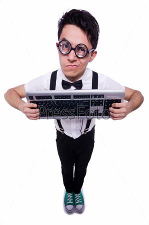Ботаник-хакер с клавиатурой на белом фоне