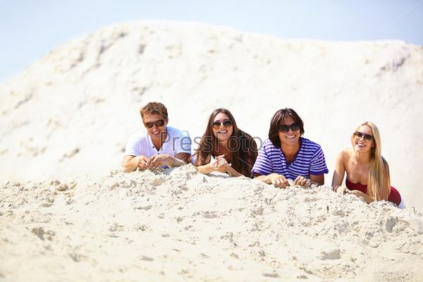 Фотография на тему Друзья на песке