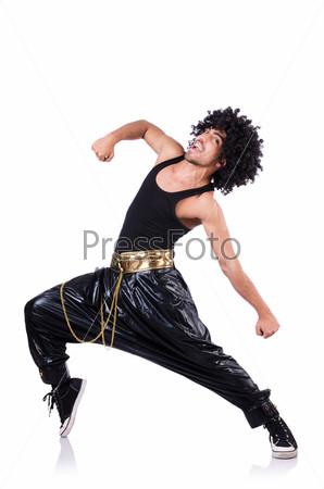 Танцор хип-хопа, изолированный на белом фоне
