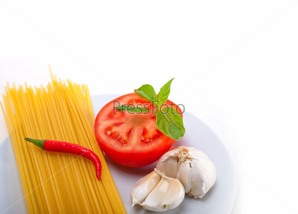 Ингредиенты для итальянских спагетти