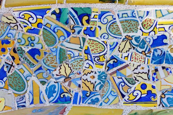 Мозаика работы Гауди в парке Гуэль