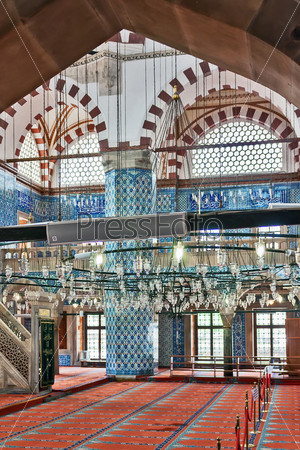 Мечеть Рустем Паша, Стамбул