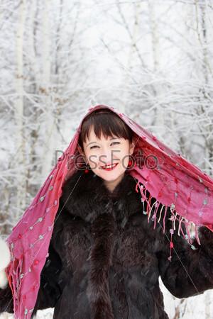 Фотография на тему Девушка в зимнем лесу