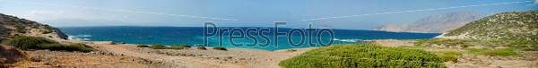 Панорама морского берега острова Крит