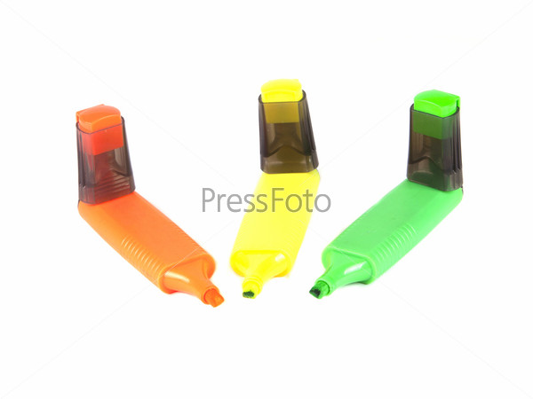 Три цветных маркера