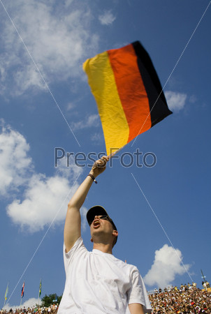 Фанат и флаг