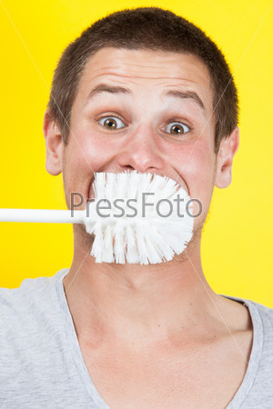 Фотография на тему Чистка зубов