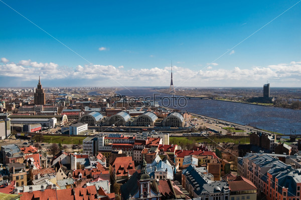 Панорама Риги, вид на реку и телевизионную башню