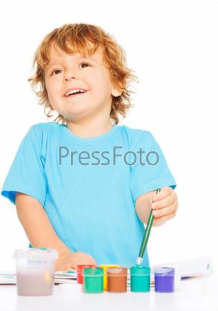 Фотография на тему Счастливый застенчивый малыш