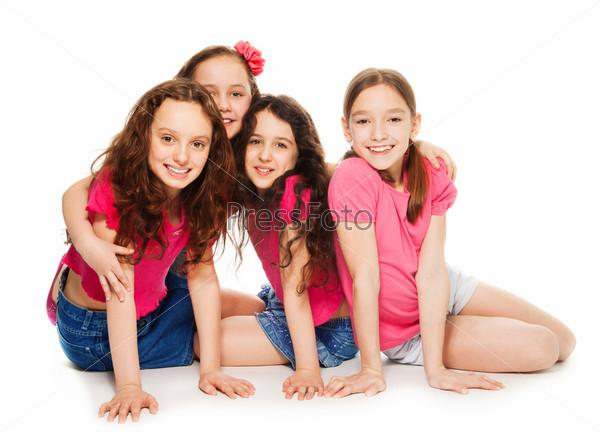Четыре девочки в розовом