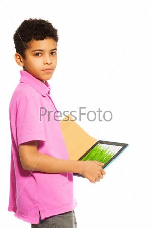Планшетный компьютер помогает в учебе