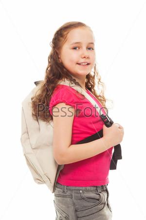 Счастливая девочка с рюкзаком