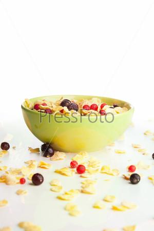Кукурузные хлопья с ягодами смородины