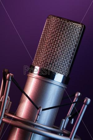 Фотография на тему Микрофон на сцене