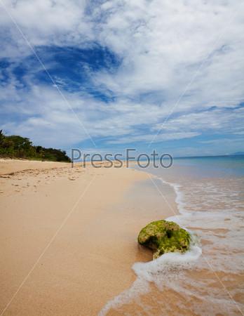 Фотография на тему Живописный вид тропического острова