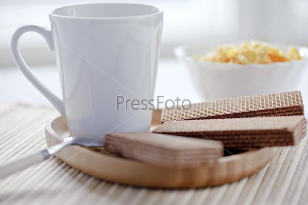 Фотография на тему Шоколадные вафли на блюде