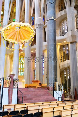 Потолок храма Святого Семейства