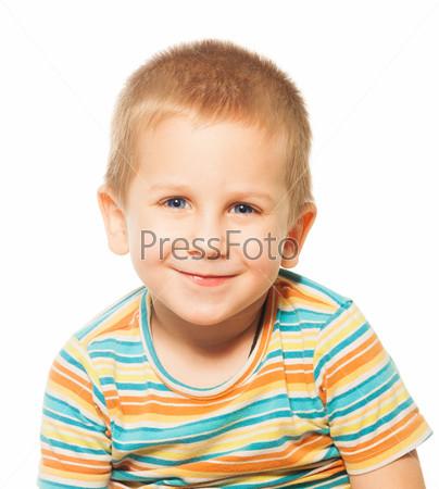 Фотография на тему Улыбающийся четырехлетний мальчик