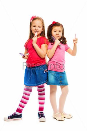 Две большие девочки